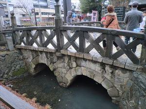 四柱神社御幸橋.JPG